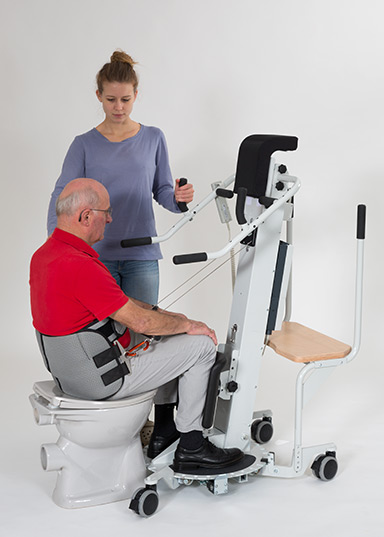Sit-to-stand aid ROLEO® with belt attached at the body's centre of gravity